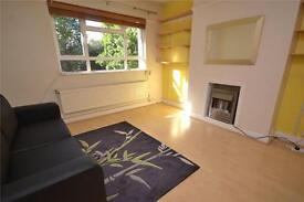 1 bedroom flat in St Pancras Court, High Road, London, N2