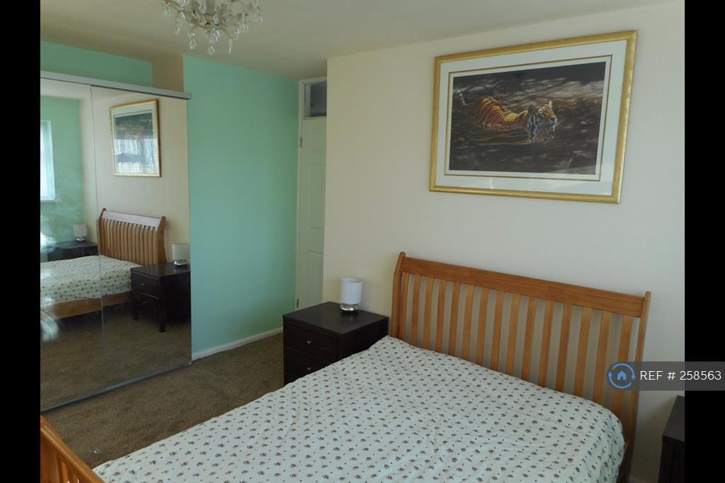 1 bedroom in Derwent Close, Rugby, CV21