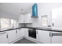 2 bedroom flat in Danbrook Road, London, SW16 (2 bed)