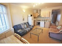 2 bedroom flat in Faber Gardens, Hendon, NW4