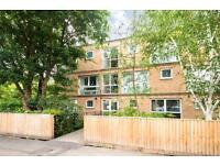 2 bedroom flat in Eaton Court, Water Eaton Road, Summertown