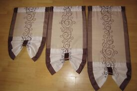 Net curtain, 3 panels, white and brown