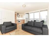 1 bedroom flat in Panoramic Tower, 6 Hay Currie Street London E14
