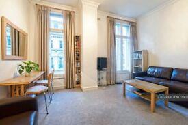 1 bedroom flat in Garrick Street, London, WC2E (1 bed) (#1077302)