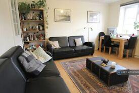 3 bedroom flat in Rosehill Road, Wandsworth, SW18 (3 bed) (#1030938)