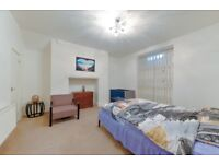 **Proud to offer this lovely one bedroom flat on the Finchley Road few moments from tube**