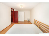 4 bedroom flat close to Essex Road with private pation