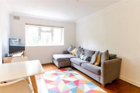 1 bedroom flat in Crescent Road, Crouch End, London, N8
