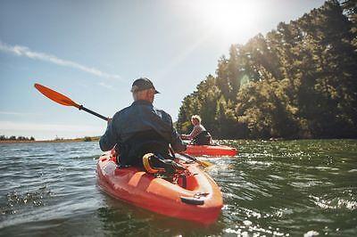 Ob Kajak oder Kanadier – im eigenen Boot lässt sich die Natur mit allen Sinnen genießen. (Foto: Thinkstock)