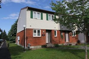 Renovated Two Storey 3 Bedroom Garden home. Pineviw