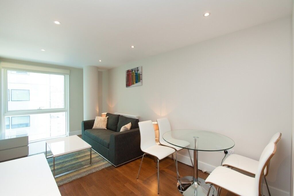 Modern 1 Bedroom Apartment Next To Aldgate East Station E1 15th Floor Nice Views 24 H Porter