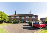 SPACIOUS 2 BED DOUBLE**PURPOSE BUILT**COMMUNAL GARDEN**7 MINS TO WIMBLEDON TOWN/STATION**CALL NOW!!