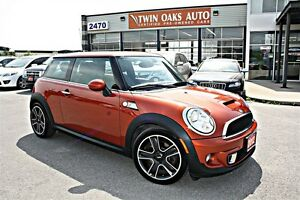2012 MINI COOPER S NAVIGATION PKG - PANOROOF - LEATHER - CERTIFI