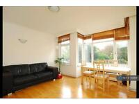 2 bedroom flat in Fulham Palace Road, London, SW6 (2 bed)