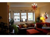 3 bedroom flat in Thornwood Road, Glasgow, G11 (3 bed)