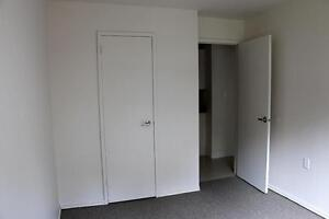 3 Bedroom Apartment for Rent in Owen Sound: Close to everything