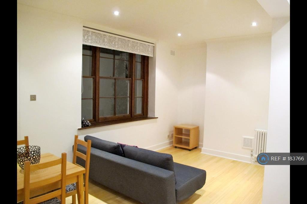 1 bedroom flat in Orsett Terrace, London, W2 (1 bed)