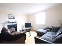 Hug split level apartment set over 1033 sqft and boasting a large private roof terrace, mins to tube