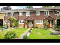 3 bedroom house in Newark Road, Windlesham, GU20 (3 bed)