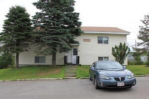 Cozy Top Floor 2 Bed at 10 Kingsview Crt in Rothesay!!