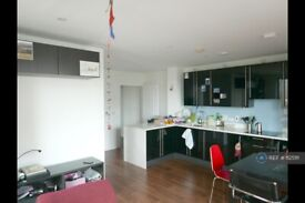 1 bedroom flat in Graciosa Court, London, E1 (1 bed) (#1125111)