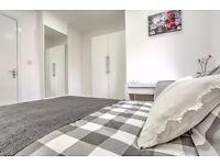 Newly refurbished 4 bed flat near Tower Bridge