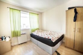 Welcoming couple room in Kilburn available now for only £180pw all bills included!