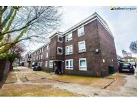 Spacious 4 bedroom apartment in E14 LT Ref: 4478713