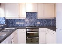 Spacious 2 Double Bedroom House in New Malden With Private Garden And Off street Parking !!!!