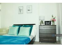 1 bedroom in Royston Road, London, SE20 (#1010592)