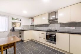A wondeful 3/4 bedroom flat in the heart of Hounslow.