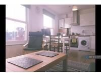 2 bedroom flat in Twickenham, London, TW1 (2 bed)