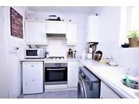 2 bedroom flat in Beresford road, Manor House