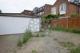 Studio flat in Muswell Hill Road, Muswell Hill