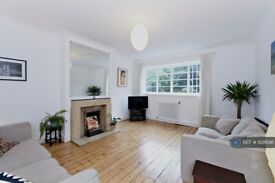 1 bedroom flat in Herne Hill, London, SE24 (1 bed) (#828696)