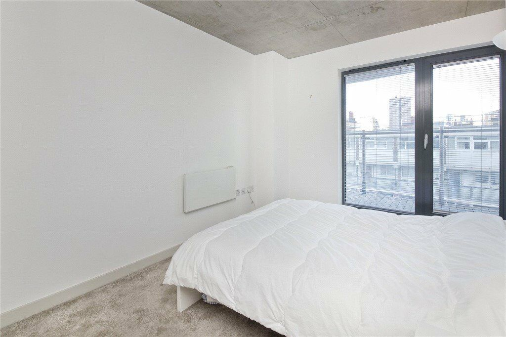 Spacious Accomodation in NW1 - Ideal For Singles Or Couples