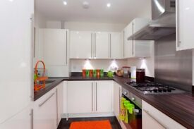 Large Two Double Bedroom Apartment for Rent in Haywards Heath. Waking distance to train station.