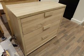 Solid wood drawer chest