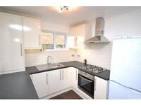 2 bedroom flat in St. Marys Court, Granville Road, London, N12