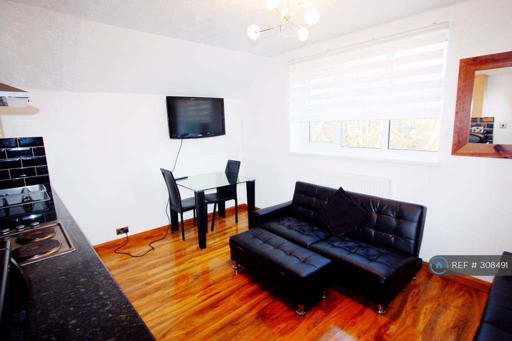 2 bedroom flat in Polygon Road, Crumpsall, M8 (2 bed)
