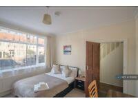 1 bedroom in Greenock Road, Streatham Vale, SW16 (#1129282)