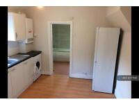 2 bedroom flat in Streatham Vale, London, SW16 (2 bed)