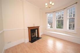 2 bedroom flat in Muswell Hill Broadway, London, N10