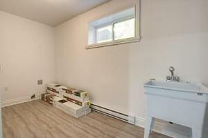 NEWLY RENOVATED SPLIT LEVEL!!!!!!! - Quiet next to the water!!! West Island Greater Montréal image 6