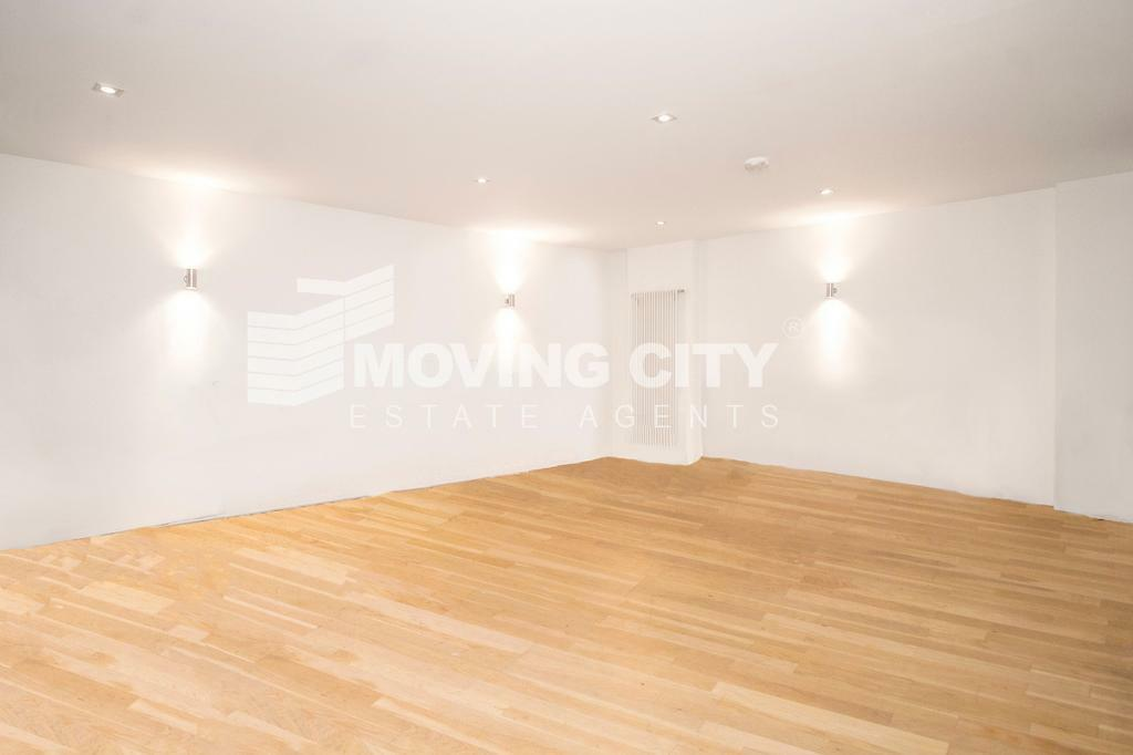 2 bedroom flat in Plumbers Row, The Spaceworks, Aldgate