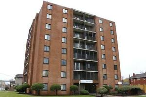 Windsor 1 Bedroom Apartment for Rent: Utilities, parking avail.