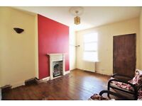 !!!! SPACIOUS 2 BED FLAT IN PRIME LOCATION NEAR TO PUBLIC TRANSPORT AND ALL SHOPPING FACILITIES !!!!