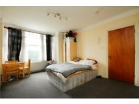 Amazing studio flat in Streatham. WATER RATES INCLUDED. Furnished or Part Furnished.