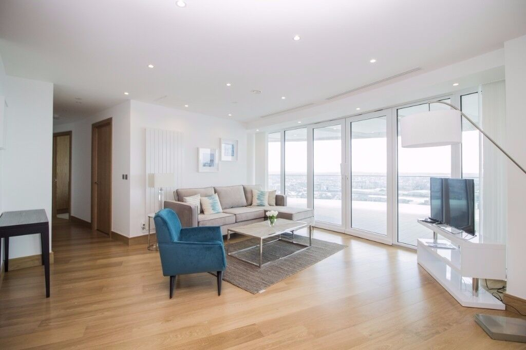 ** Luxury 3 bed apartment with docks view, parking and fitness in Canary Wharf, E14, Call Now!! - AW
