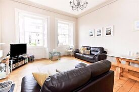 Two bedroom flat located on the amazing Elgin Crescent in Notting Hill - Available for rent now!